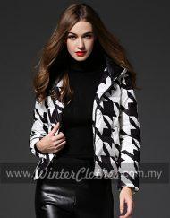 WC-black-&-white-geometric-print-winter-down-jacket-m01